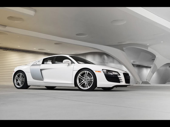 Audi R8 5. 2 FSIquattro. Изображение № 9.