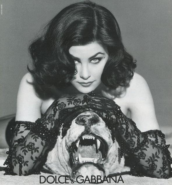 Архивная съёмка: Шерилин Фенн для кампании Dolce & Gabbana FW 1991. Изображение № 5.