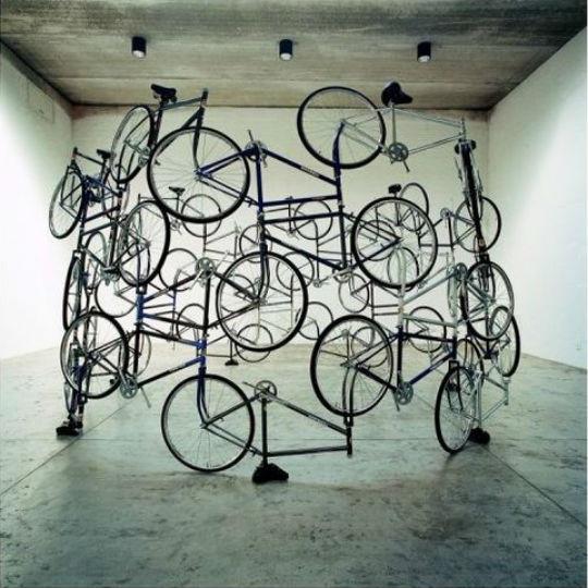 Искусство где-то рядом: 10 художников, работающих с предметами быта. Изображение № 11.