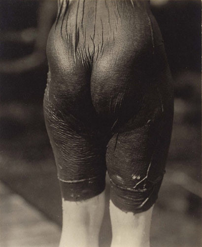 Части тела: Обнаженные женщины на винтажных фотографиях. Изображение №5.