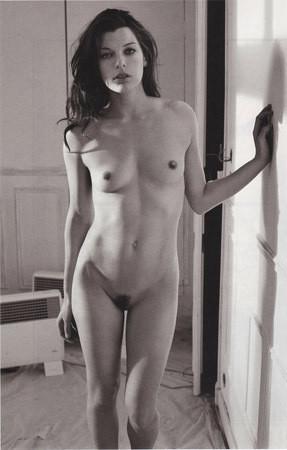 Части тела: Обнаженные женщины на фотографиях 1990-2000-х годов. Изображение №212.