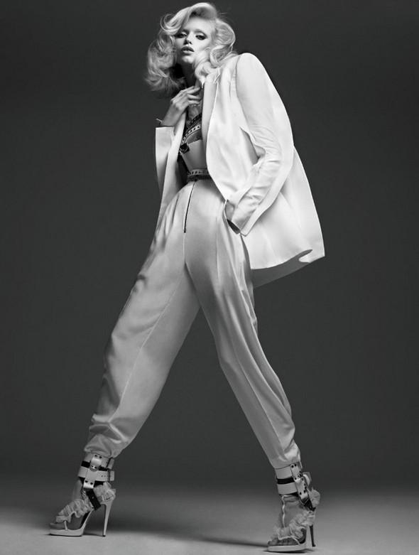 Изображение 7. Эбби Ли Киршоу для апрельского Vogue Russia.. Изображение № 6.
