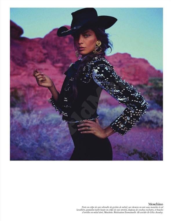 Съёмка: Дарья Вербова для французского Vogue. Изображение № 18.