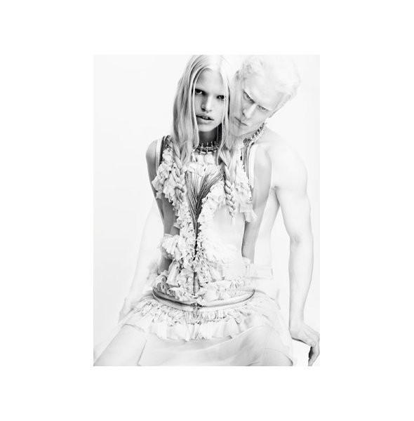 Изображение 9. Рекламные кампании: Givenchy, Tom Ford и другие.. Изображение № 1.
