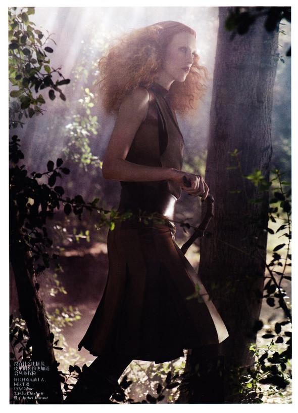 Съёмка: Карен Элсон для китайского Vogue. Изображение № 2.