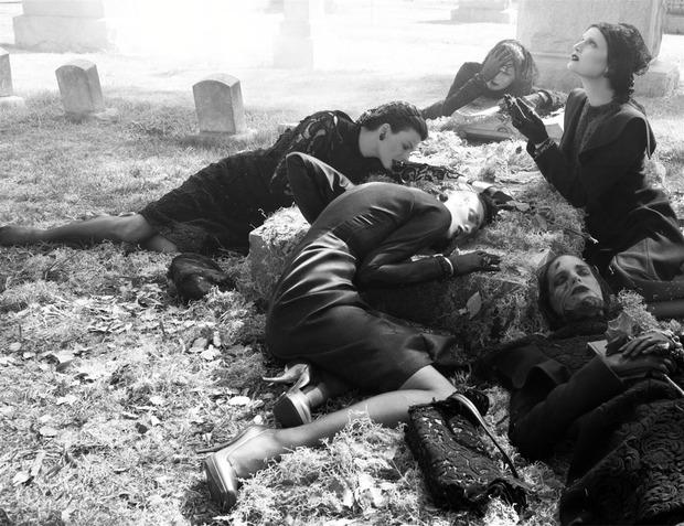 Зловещие мертвецы: 10 съемок к Хеллоуину. Изображение №46.