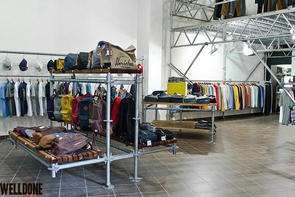 """Новый магазин одежды """"Welldone"""" в FLACON'е. Изображение № 2."""