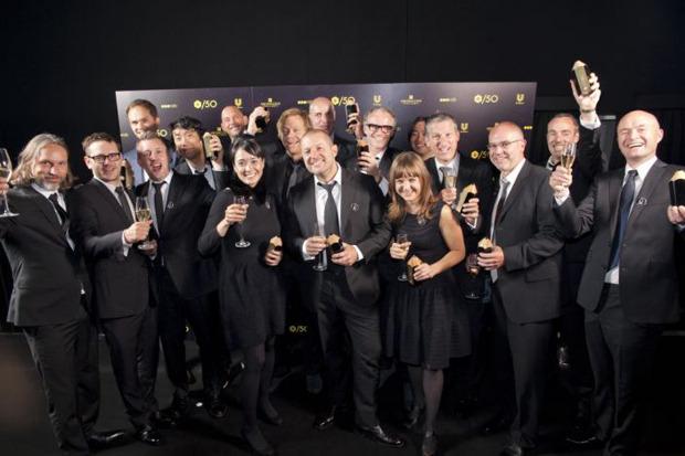 Команда Apple на вручении премии D&AD Awards. Изображение № 2.
