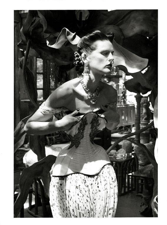 Съёмка: Стелла Теннант в объективе Стивена Майзела. Изображение № 13.