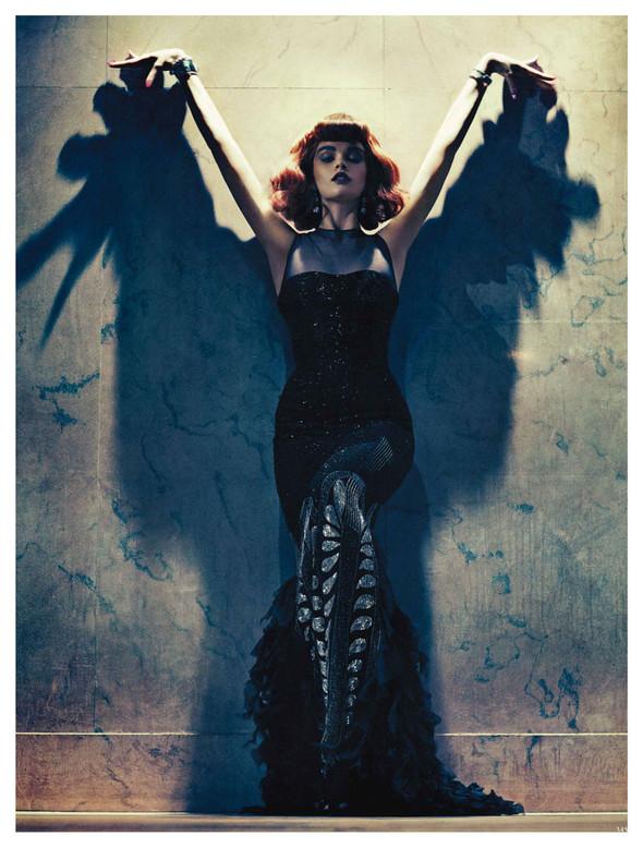 Съёмка: Кристал Ренн для немецкого Vogue. Изображение № 3.