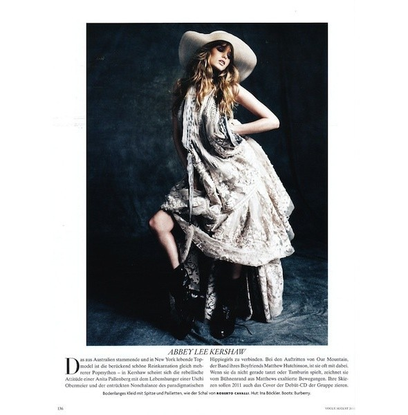 5 новых съемок: Dossier, Elle, V и Vogue. Изображение № 36.