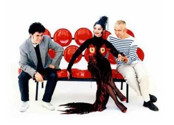 Для той же «Кики» Жан-Поль Готье сочинил футуристический костюм, перещеголяв даже свой лифчик дла Мадонны.. Изображение № 25.