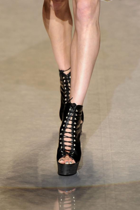 New York Fashion Week: Betsey Johnson Spring 2012. Изображение № 9.