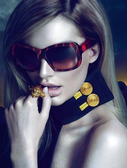 Кампания: Versace Eyewear FW 11. Изображение № 1.