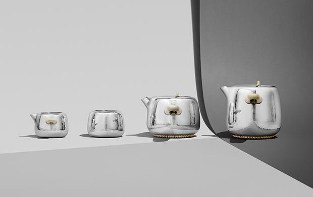 Дизайнер Марк Ньюсон создал серебряный чайный сервиз. Изображение № 2.