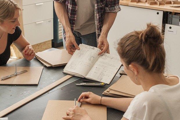 Как сделать из толстого картона абажур для лампы . Изображение № 18.