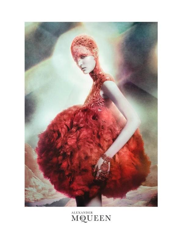 Кампания: Зузанна Биёх для Alexander McQueen SS 2012. Изображение № 1.