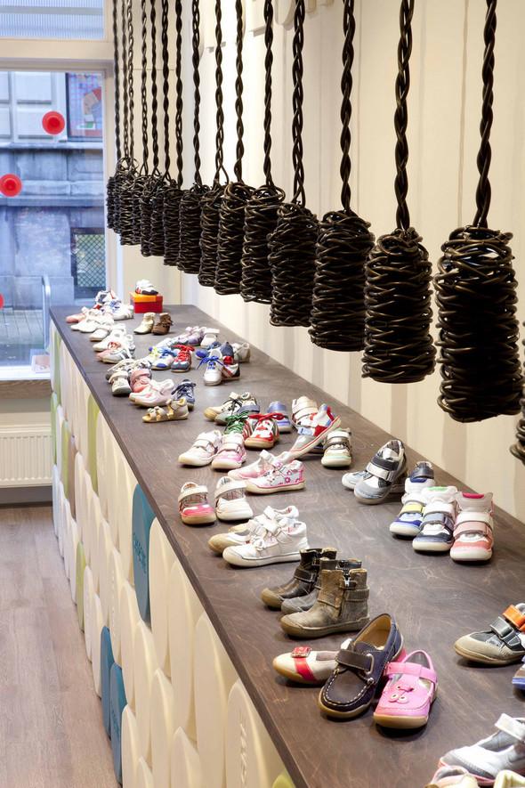 Магазин детской обуви от Тёна Флескенса. Изображение № 7.