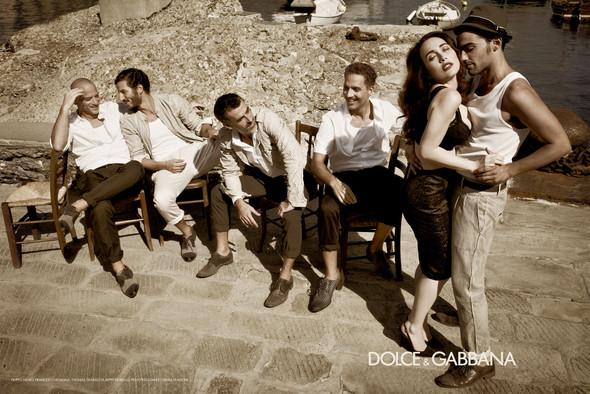 Превью мужских кампаний: Dolce & Gabbana и Майкл Питт для Prada. Изображение № 7.
