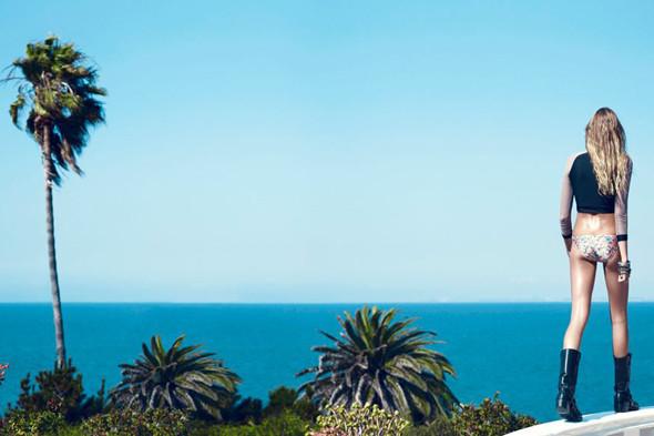 Пляжный сезон: 10 марок купальников. Изображение №89.