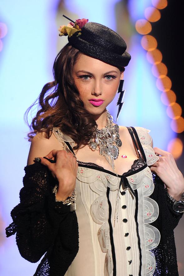 New York Fashion Week: Betsey Johnson Spring 2012. Изображение № 35.