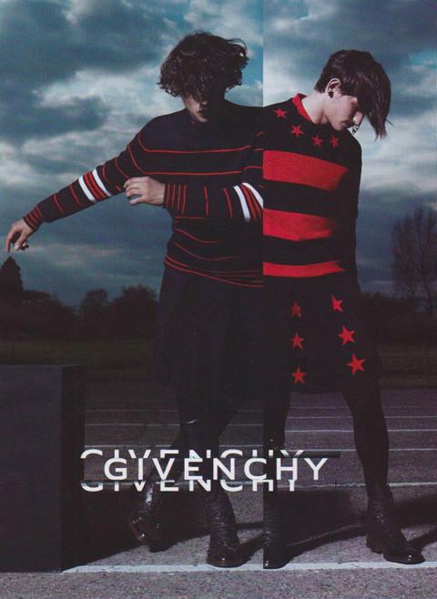 Превью кампаний: Givenchy, Jean Paul Gaultier, Versace и другие. Изображение № 3.