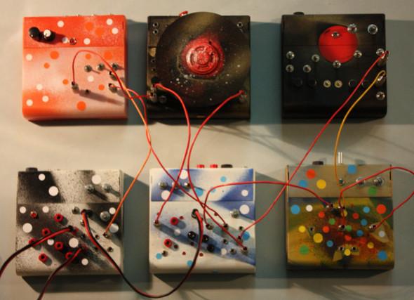 Circuit bending – искусство создавать ломая!. Изображение № 5.