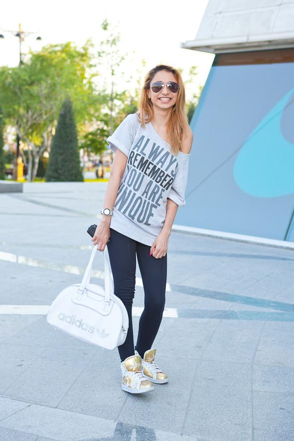 Baku Street Fashion | Spring 2012. Изображение № 47.