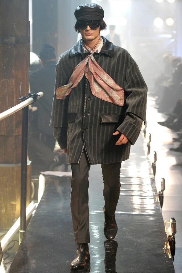 Джон Гальяно/ Осень-зима 2011/ Неделя моды в Париже. Изображение № 10.