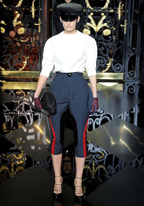 Изображение 2. Louis Vuitton Fall 2011.. Изображение № 2.