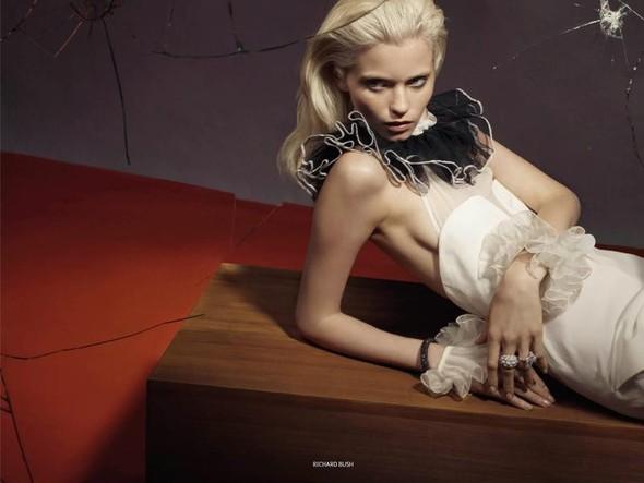 Съёмка: Эбби Ли Кершо для российского Vogue. Изображение № 6.