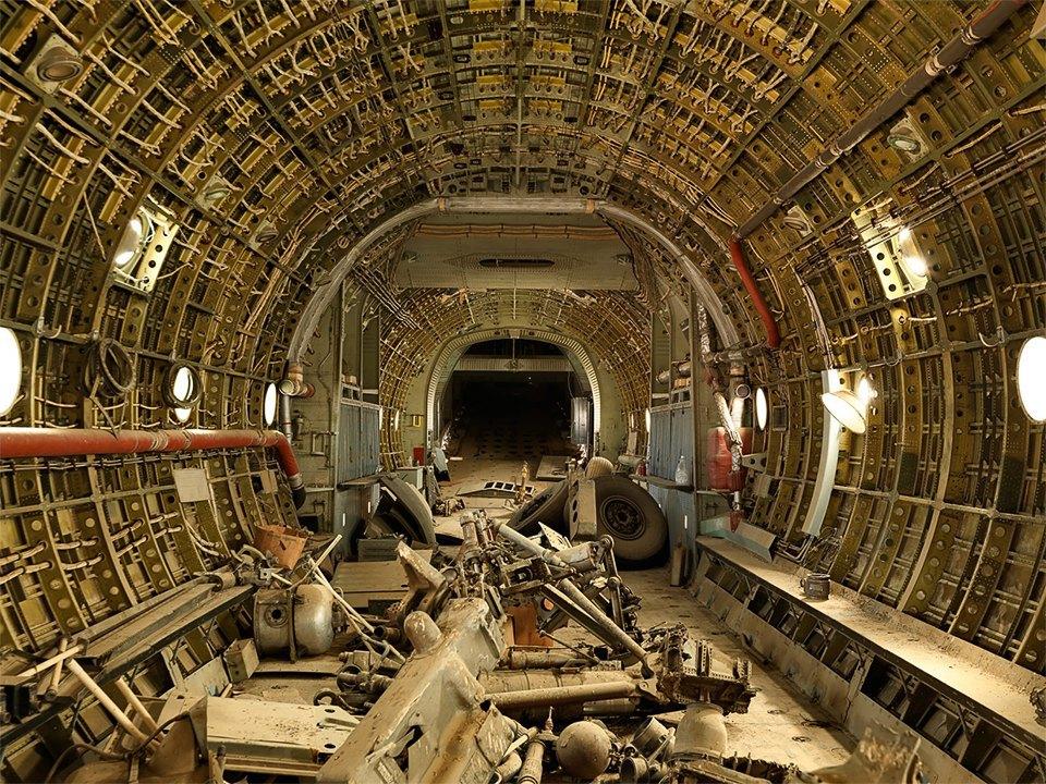 Кладбище самолётов  в выжженной пустыне . Изображение № 16.