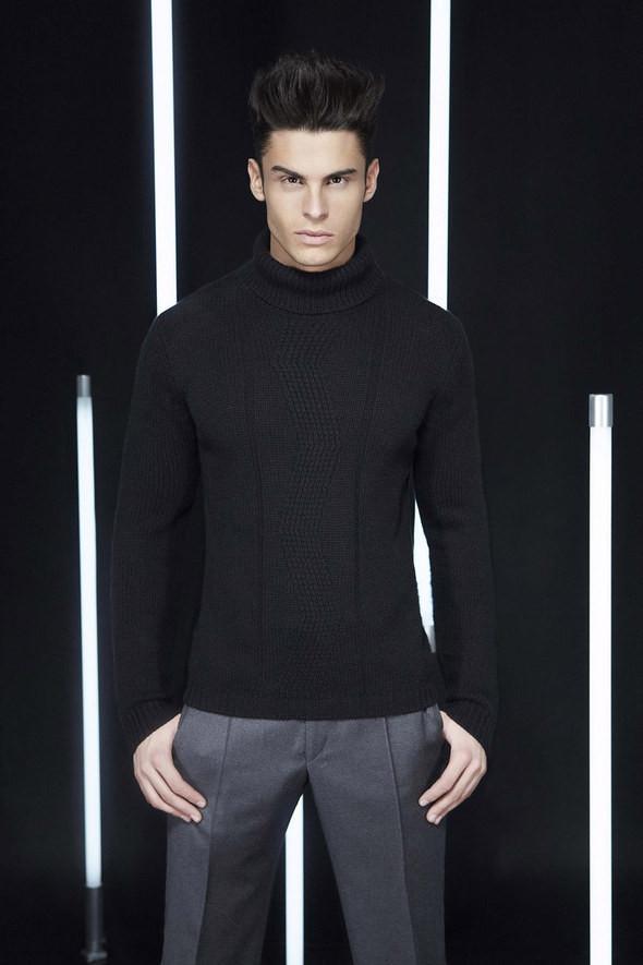 Изображение 25. Лукбуки: Bergdorf Goodman, Lagerfeld и Armani Exchange.. Изображение № 24.