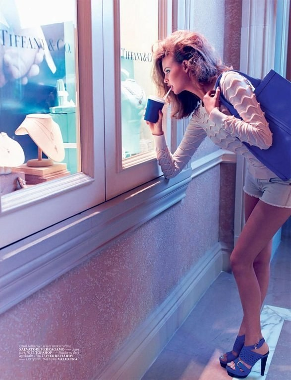 Behati Prinsloo для Vogue Turkey. Изображение №1.