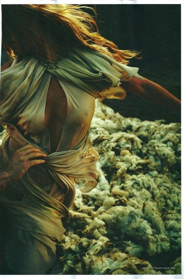 Съёмка: Уилл Дэвидсон для Harper's Bazaar. Изображение № 6.