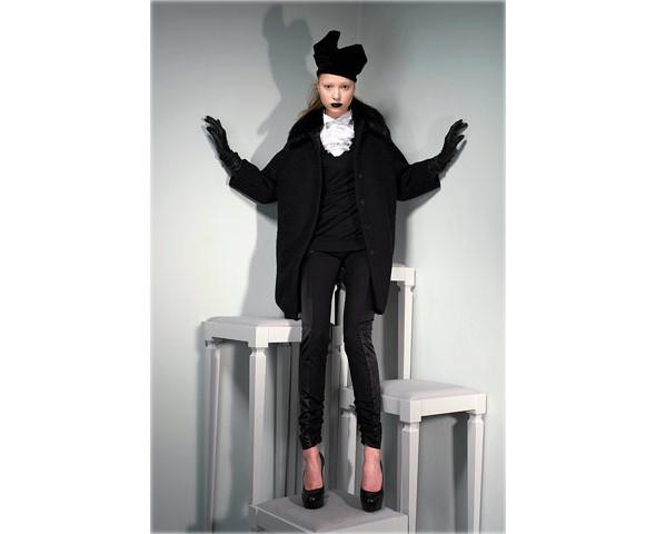 Новые коллекции: Acne, Dior, Moschino, Viktor & Rolf. Изображение № 31.