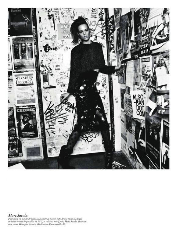 Съёмка: Аризона Мьюз, Лара Стоун, Наташа Поли и другие модели во французском Vogue. Изображение № 54.