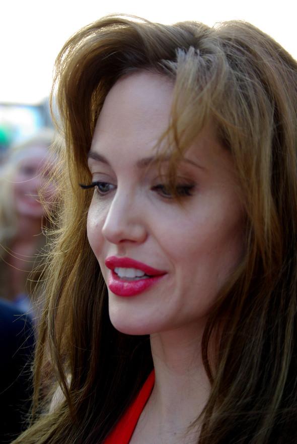 Анджелина нагревает Москву. Изображение № 21.