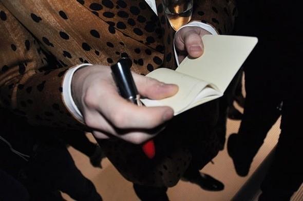 Изображение 13. Модный аутлет: туфли Prada за 10 евро.. Изображение № 13.