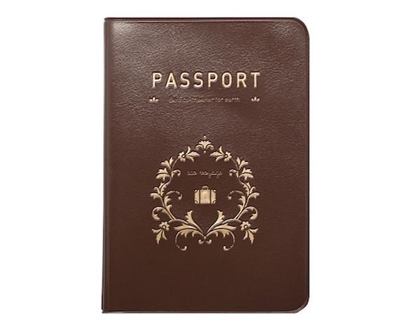 Обложка для паспорта Iconic Brown, 500 руб.. Изображение № 36.