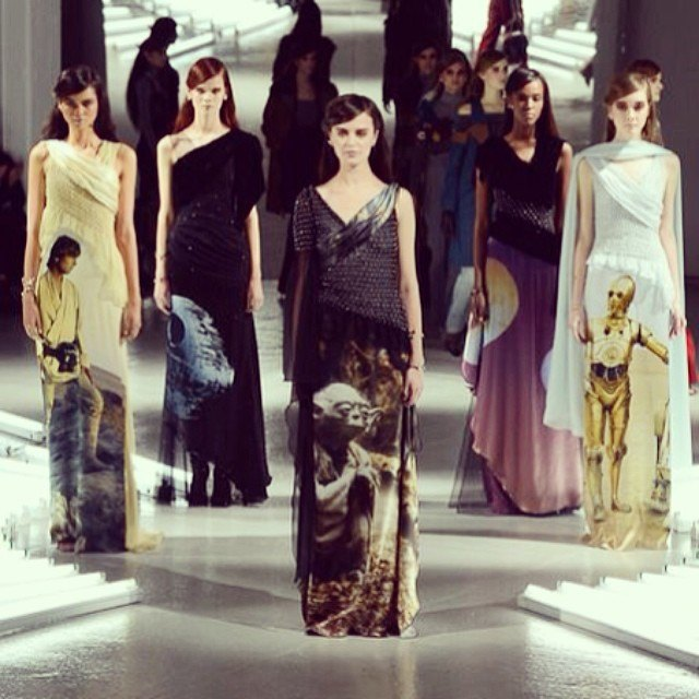 В Нью-Йорке представлена коллекция платьев по мотивам «Звёздных войн». Изображение № 2.