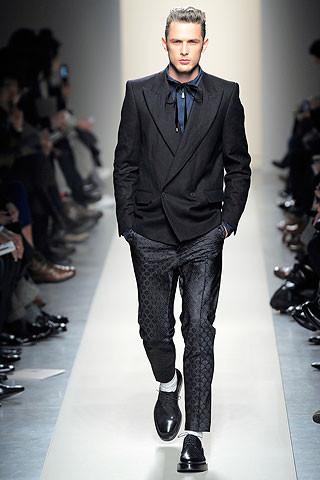 Что носить осенью: мужские показы в Милане. Изображение № 98.