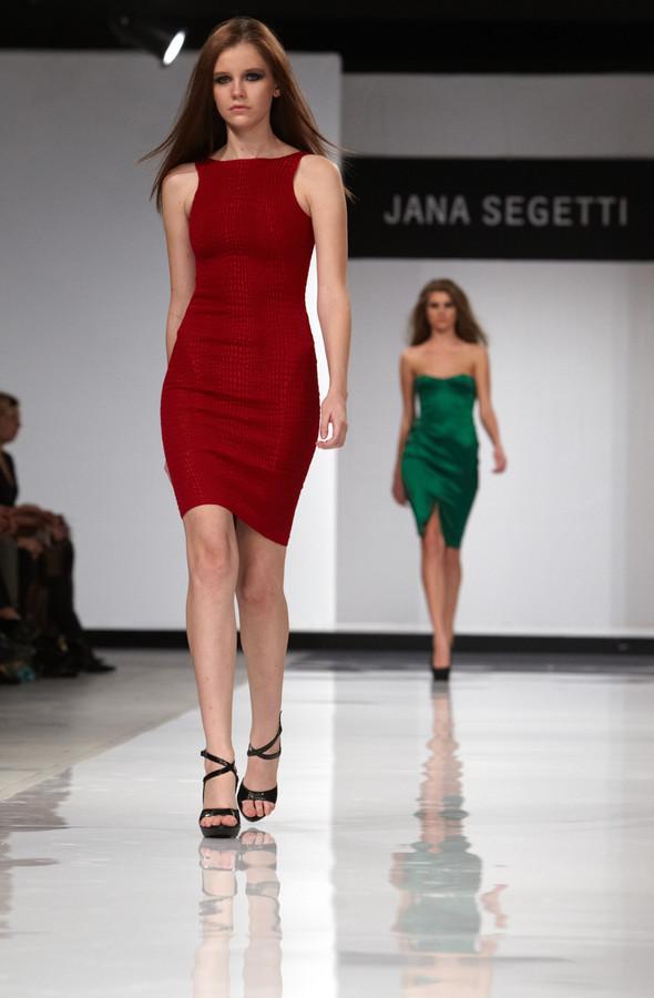 Показ Jana Segetti на Aurora Fashion Week. Изображение № 1.