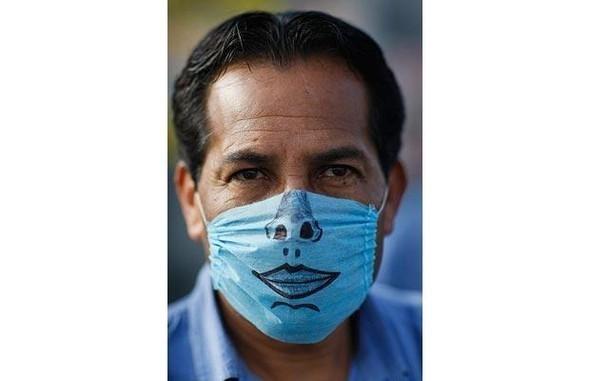 Мексиканцы прошлись юмором по«свиному гриппу». Изображение № 3.