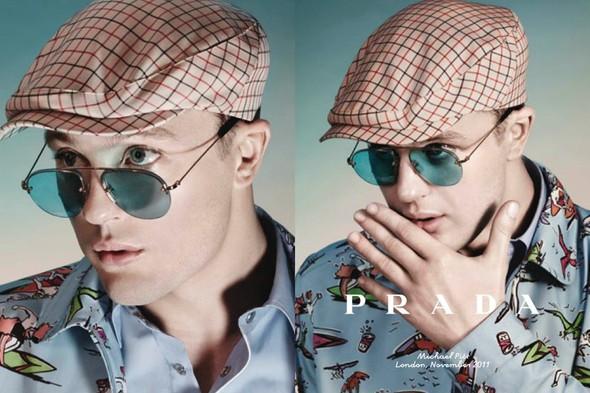 Кампания: Майкл Питт для Prada. Изображение № 10.