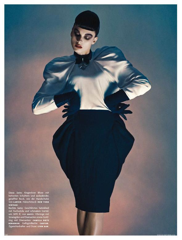 Съёмка: Кристал Ренн для немецкого Vogue. Изображение № 4.