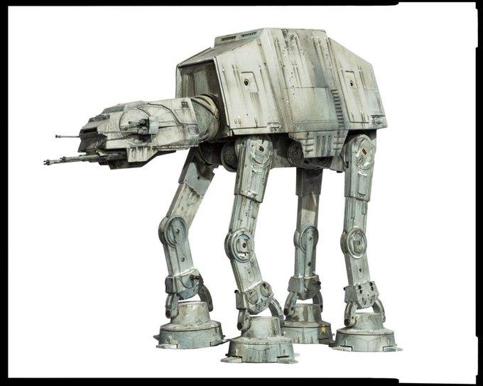 Wired сфотографировал реквизит из «Звёздных войн» . Изображение № 12.