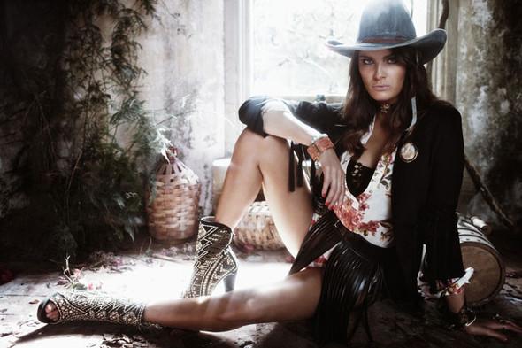 Съёмка: Изабели Фонтана для Vogue. Изображение № 7.