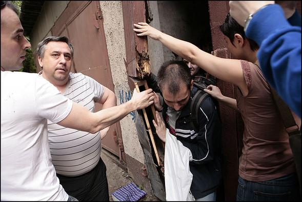 2010-05-15. Москва. Дом Наркомфина. Выставка со взломом. Изображение № 22.