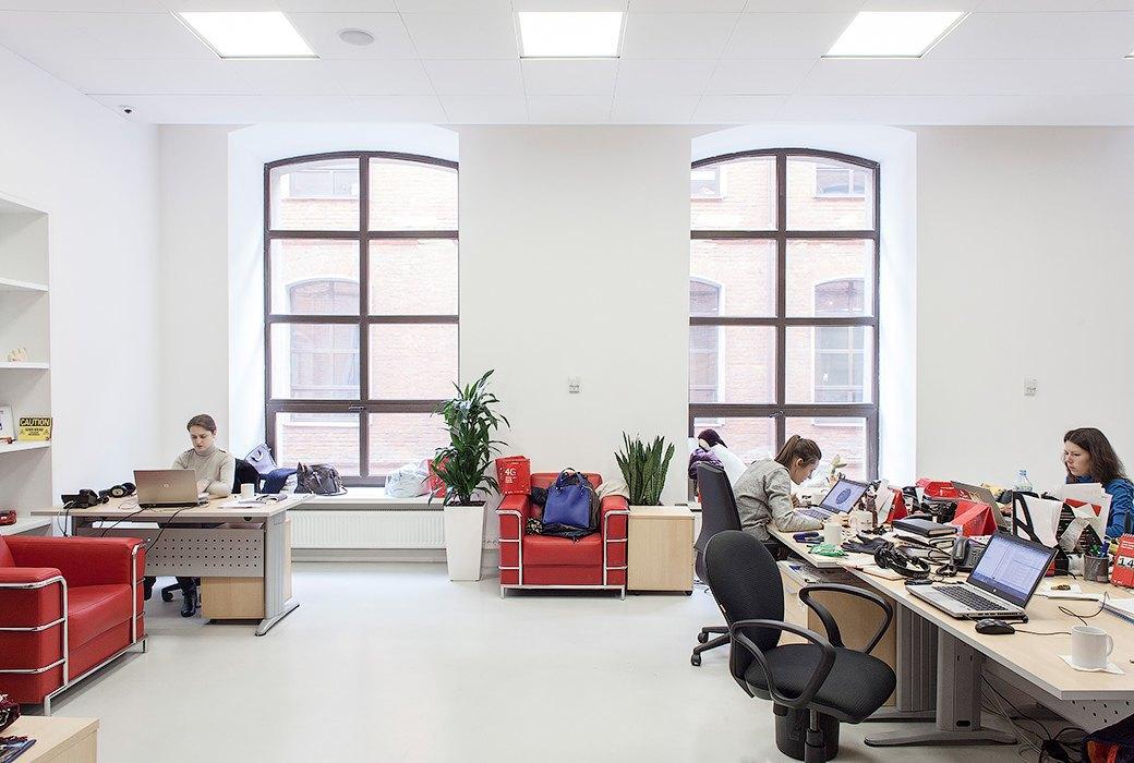 Лестница в никуда и хаски в московском офисе BBDO. Изображение № 9.